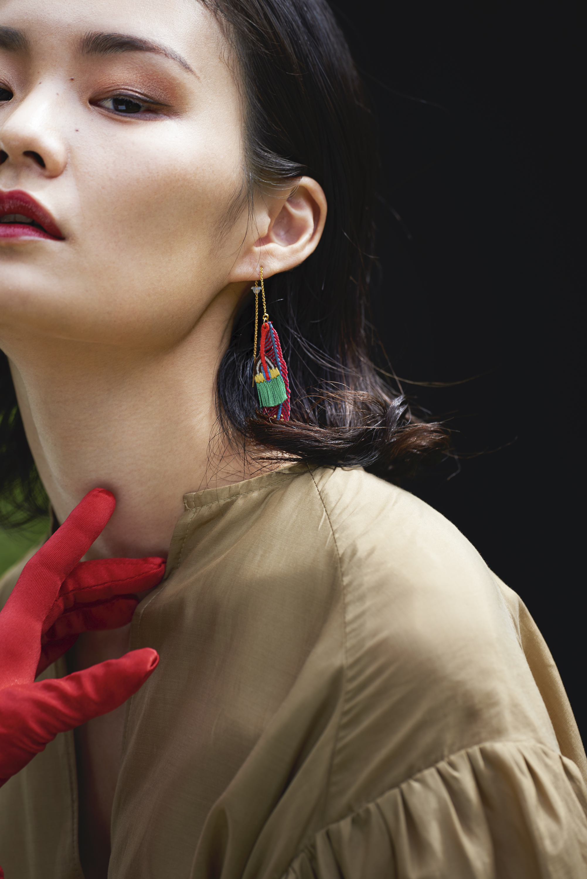 ARRO / Embroidery Earring / Plume / red