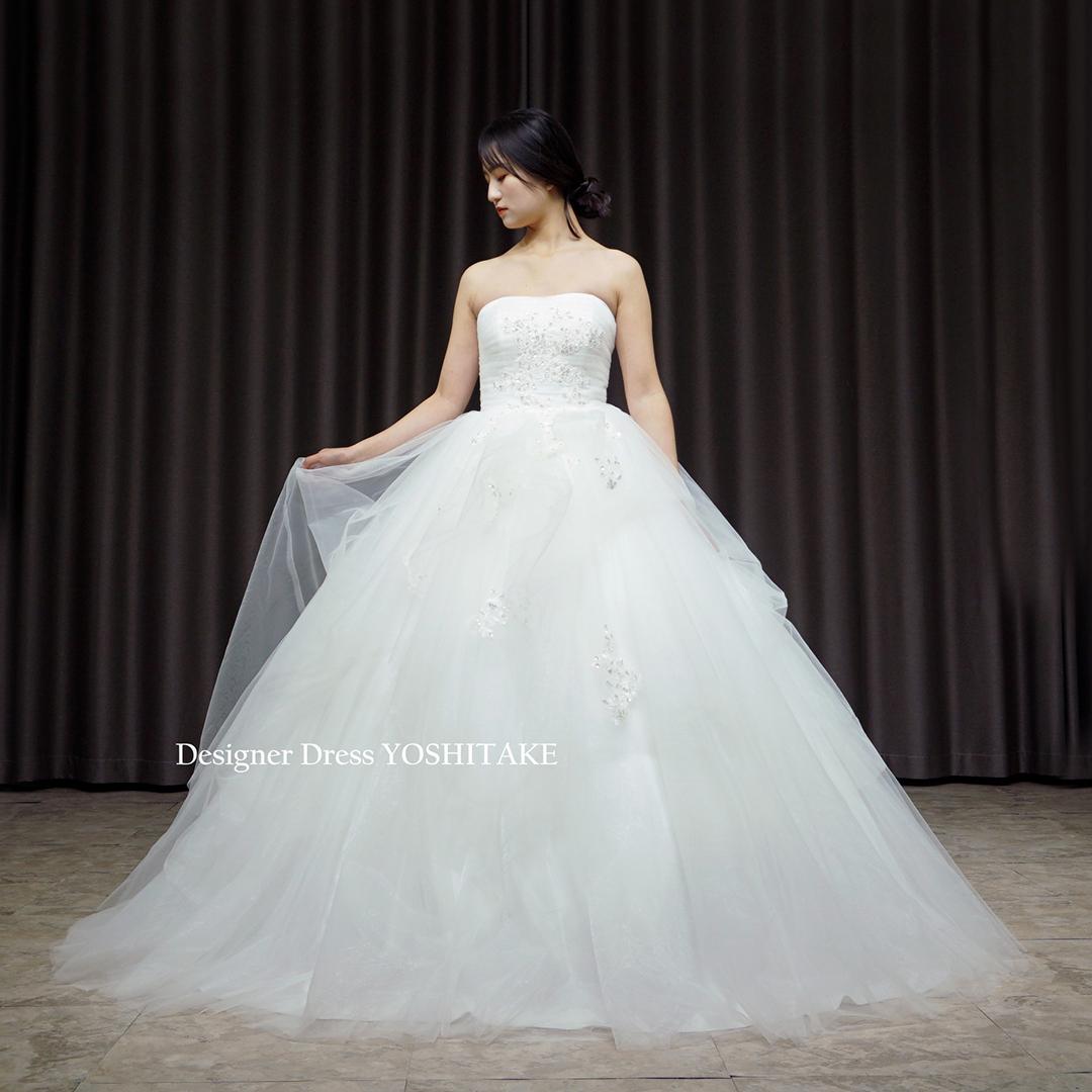 【オーダー制作】ウエディングドレス(無料パニエ) 胸元に煌めくビジューがキラキラと輝くウエディングドレス(パニエ付)挙式.フォト婚※制作期間3週間から6週間