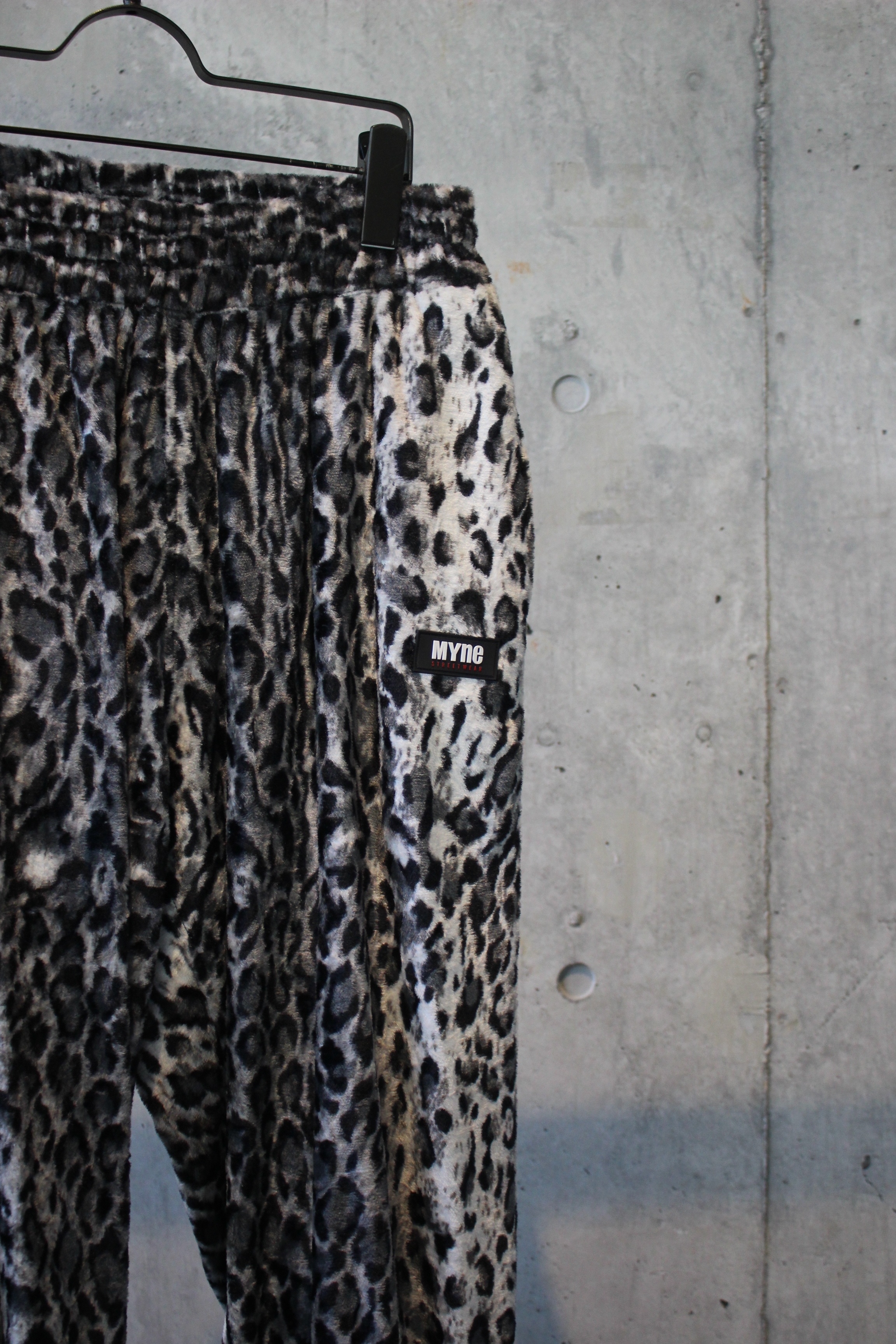 LEOPARD TRACK PANTS / BLACK - 画像2