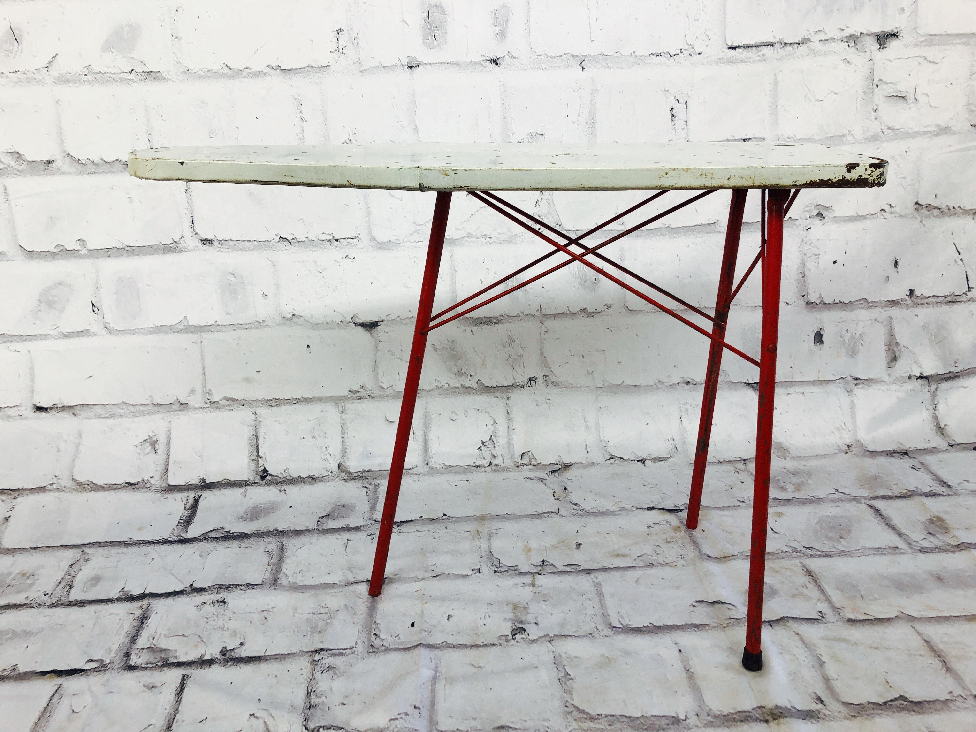 品番5896 アイロン台  アイロンテーブル スチール製 ホワイト / レッド 折り畳み式 ヴィンテージ