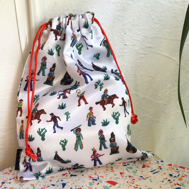 Nathalie Lete Satin drawstring pouch Indian ナタリーレテ サテンポーチ インディアン