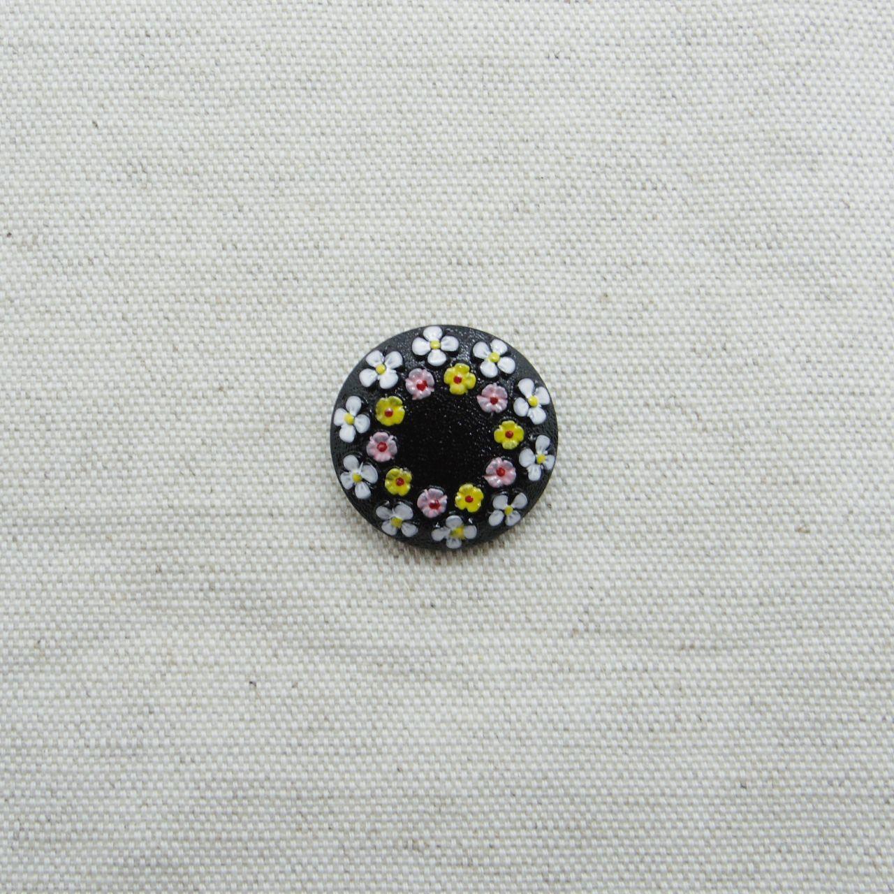 【チェコガラスボタン】2連の花冠・ブラック×ホワイト ::: 中2.3cm