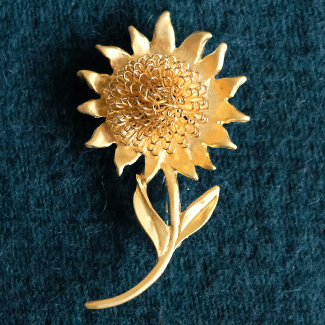 アンティーク真鍮ブローチ / 可憐な花 /284e/ USA アメリカ
