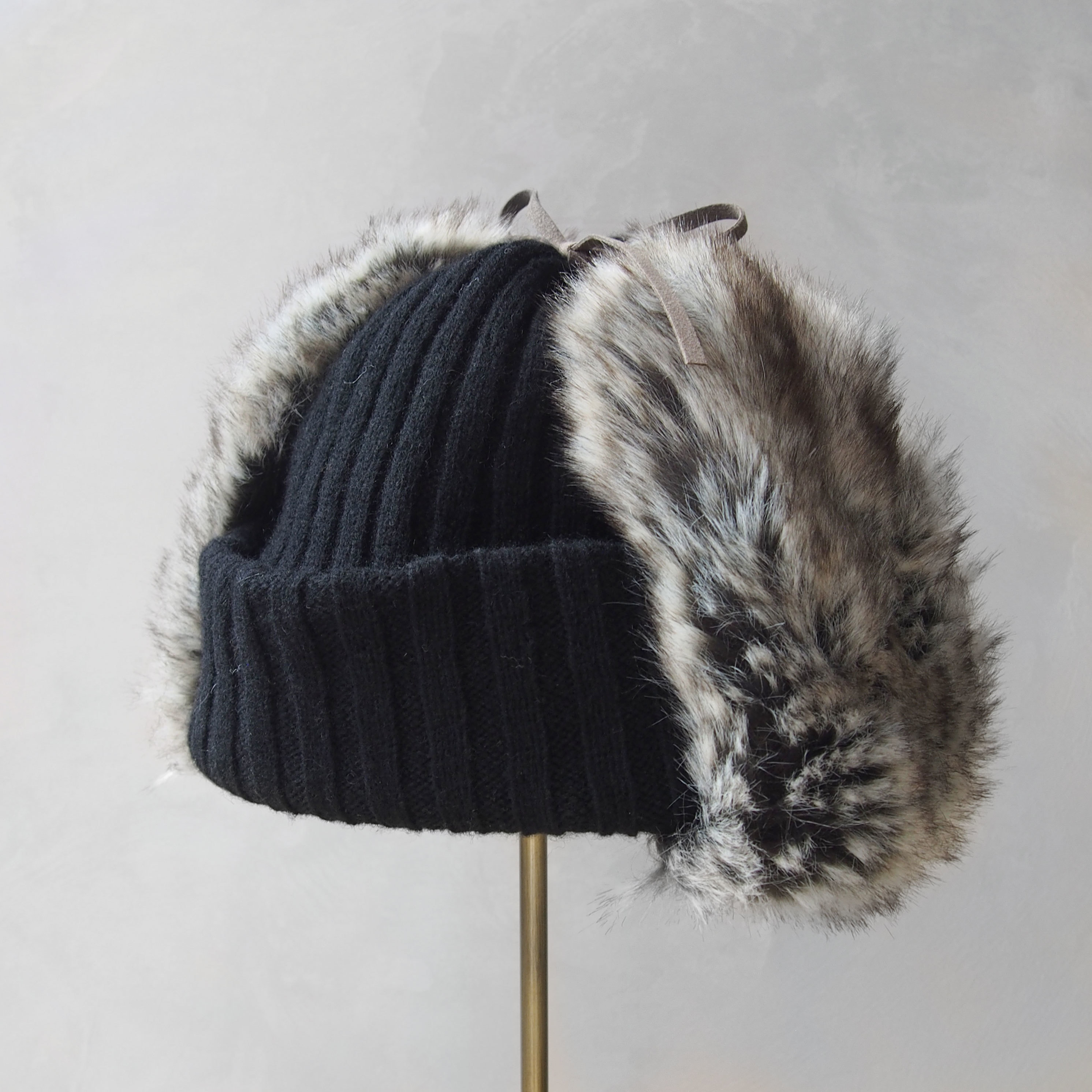 Nine Tailor Landing knit watch black