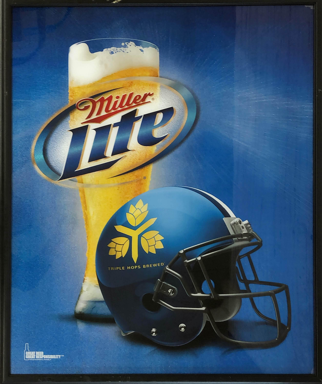 品番0590 サインボード 『Miller Lite・Triple Hops Brewed』 ミラーライトビール 壁掛 看板 アメリカン雑貨 ヴィンテージ