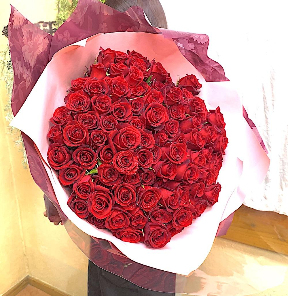 プロポーズの赤バラ108本の花束(生花)