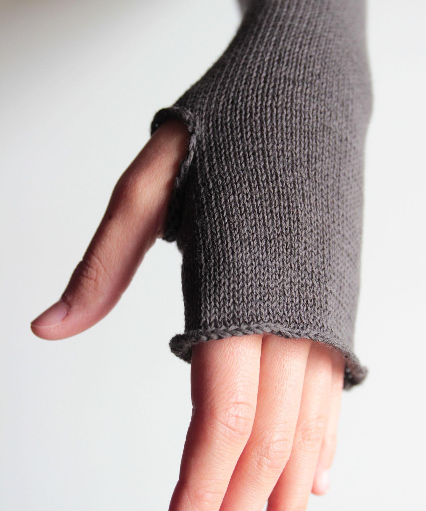 【手編み機で編んだ】コットンシルクカシミヤのアームカバー CSC-39