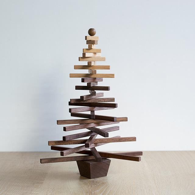 Christmas tree / L (木のクリスマスツリー)