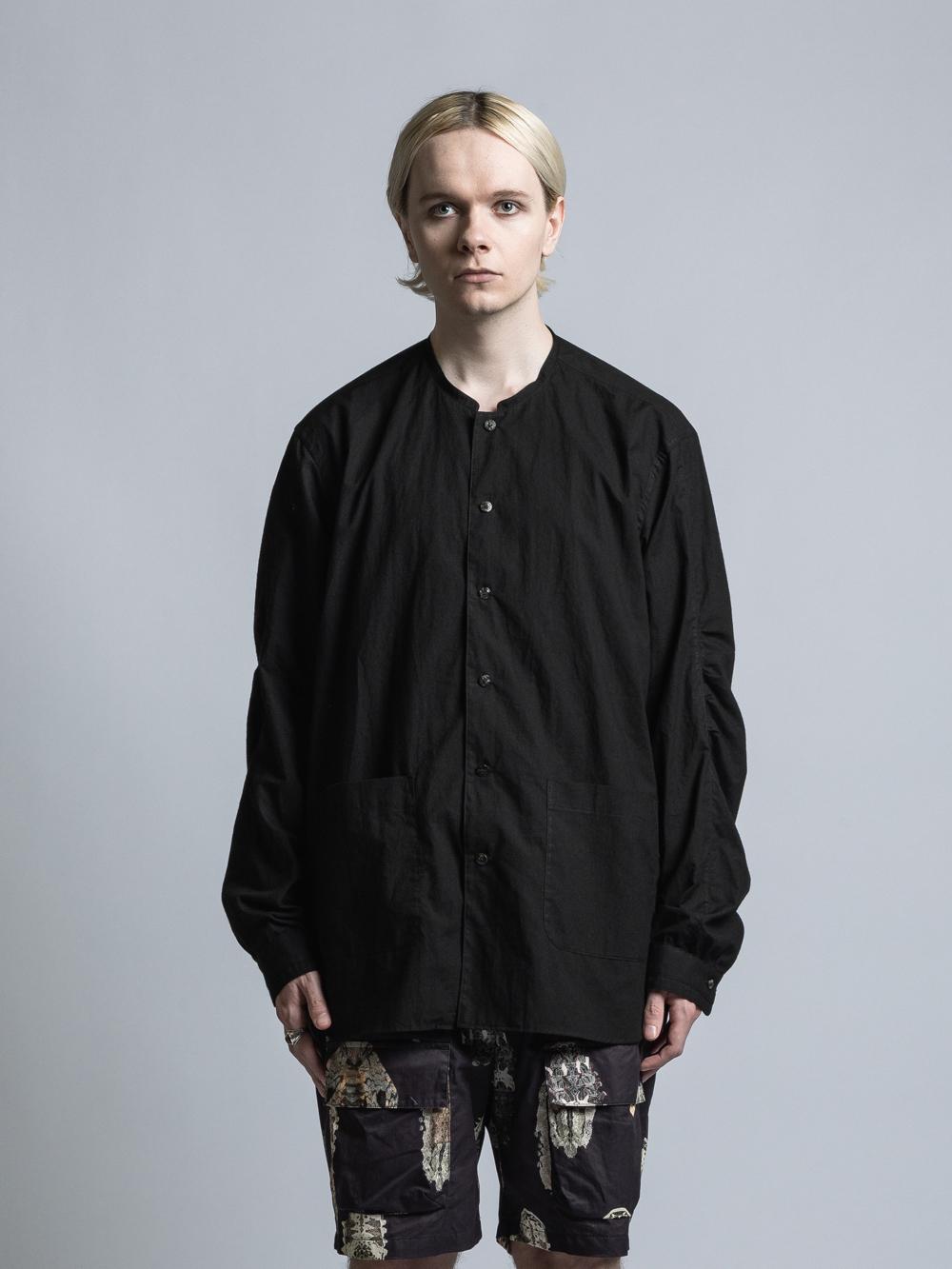 VI-3332-02 / 裾ポケットノーカラー長袖シャツ