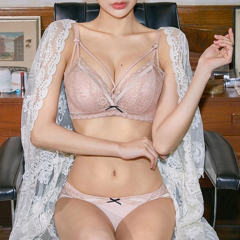 (A-Bカップ)【下着セット】ノンワイヤーレース透かし彫りブラ&ショーツセット33673883