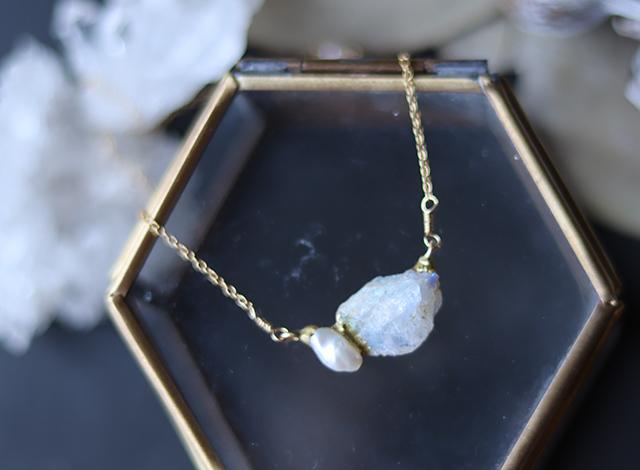 【一点物】原石ラブラドライト・パールのネックレス