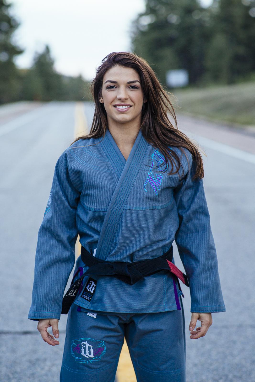 WAR TRIBE GEAR FINESSE グレー|女性用ブラジリアン柔術衣(柔術着)