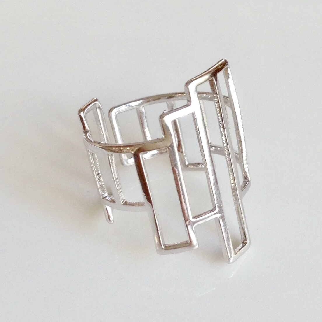 【 UNSEABLE 】Square ring