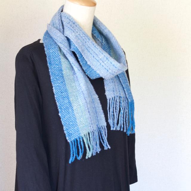 手紡ぎ手織りのマフラー〈やわらかタイプ〉(青系1)