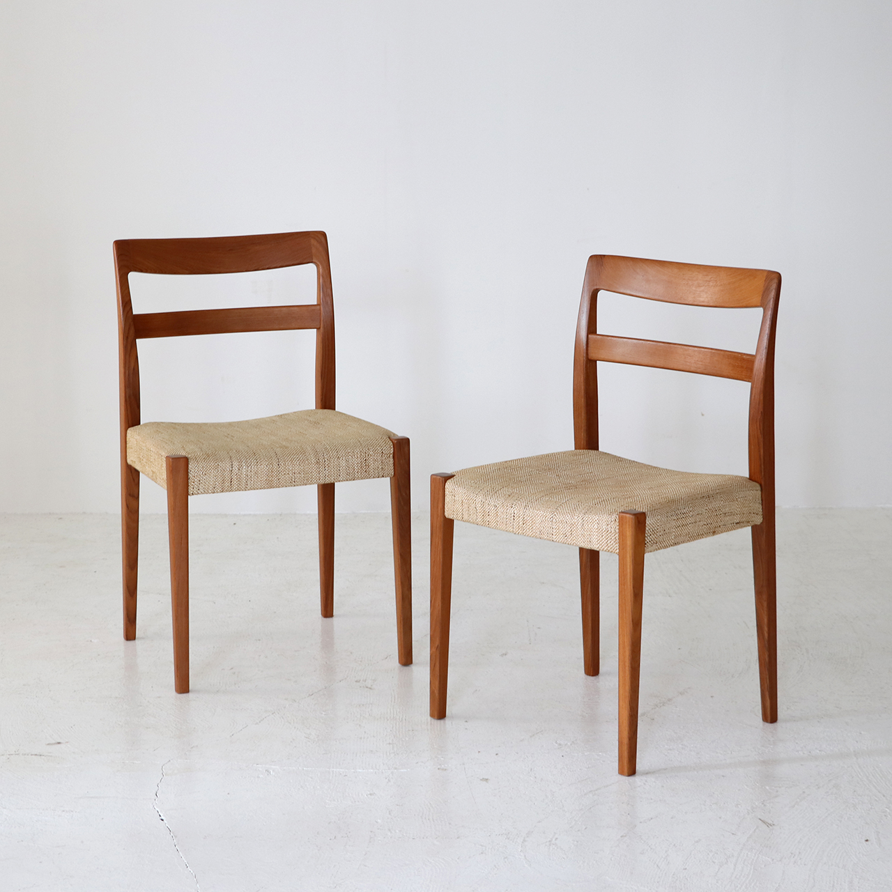 Dining chair(set of 2) / Nils Jonsson for Troeds