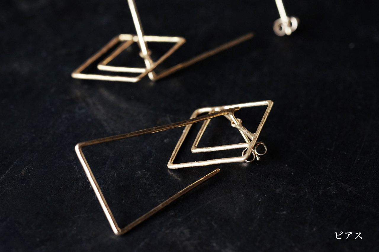 四角と台形のピアスー前方後方墳 ー (gold)