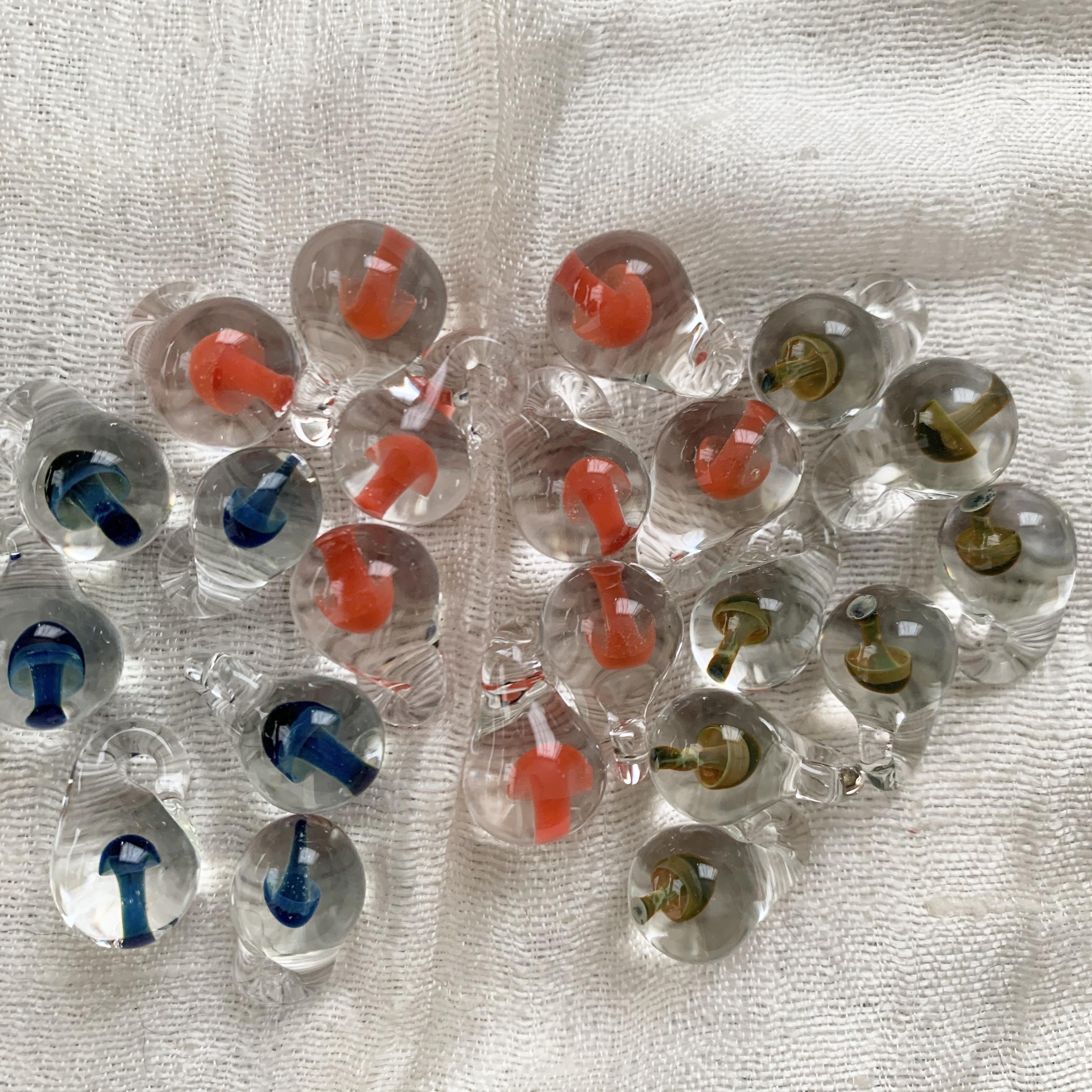 パイレックスガラスのきのこ しずく型(色を選んでください)ネコポス発送可能】
