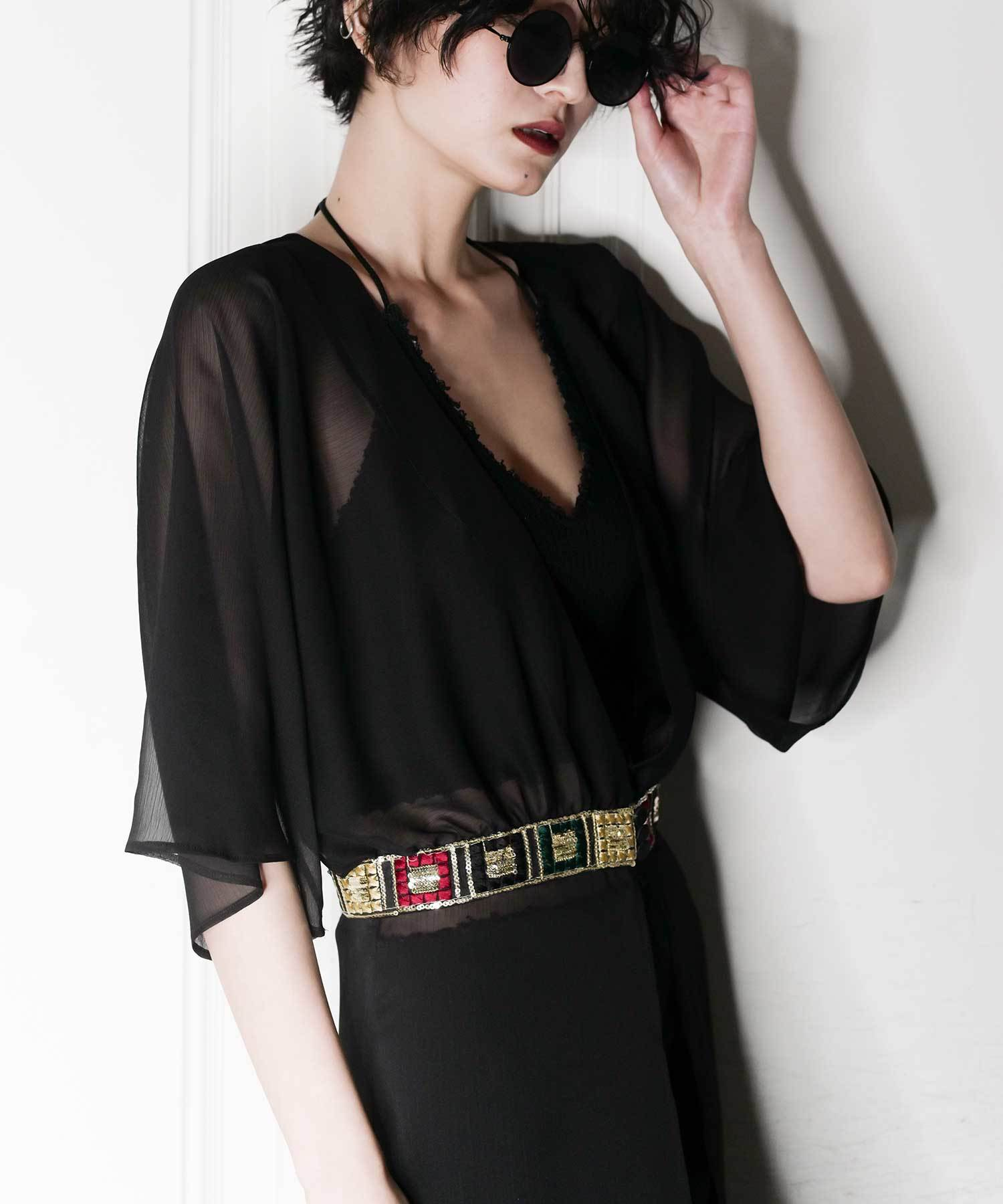df17SM-IR03 DESIGN TAPE GOWN (black)