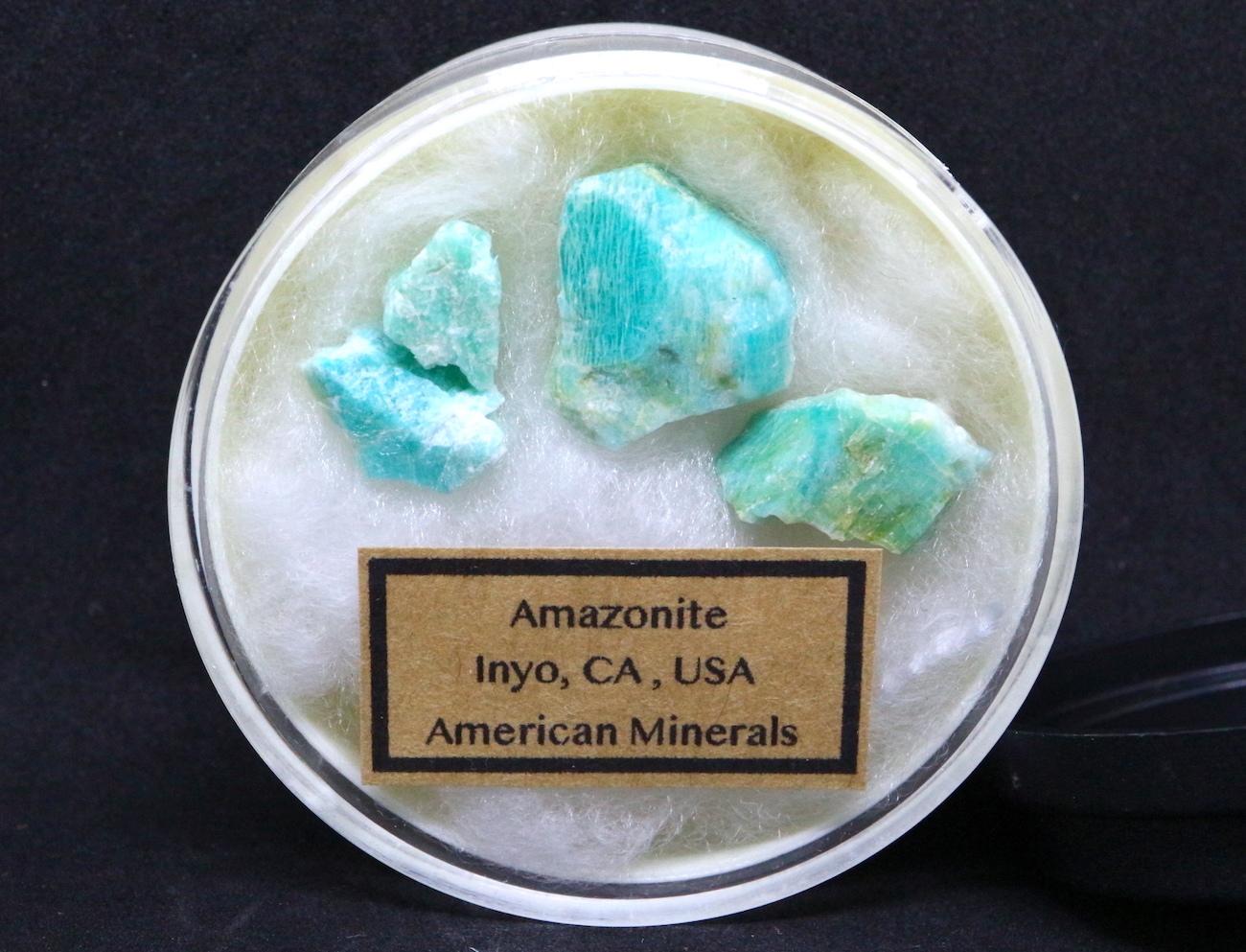 【鉱物セット】自主採掘 アマゾナイト カリフォルニア産 ケース入り