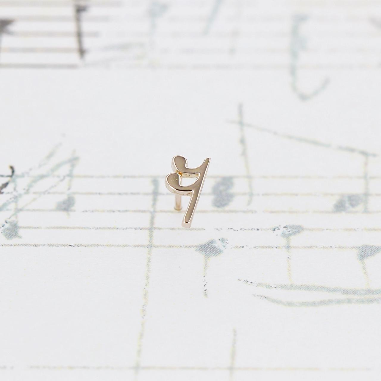 K10 / ピアス (片耳) / 16分休符スタッドピアス