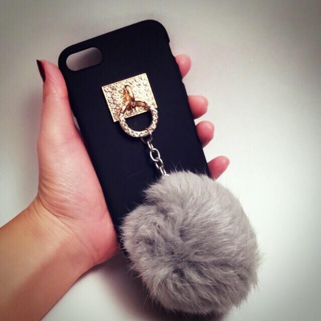 【送料無料】上質なファー&キラキラ ブラックソフトケース iPhoneケース