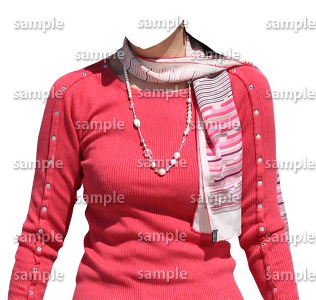 女性ピンクセーター正面
