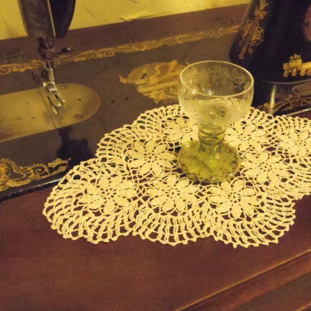 ドイリー ::: お花模様のかぎ針編み