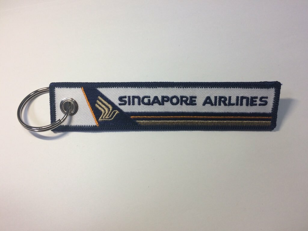 RemoveBeforeFlightキーホルダー シンガポール航空