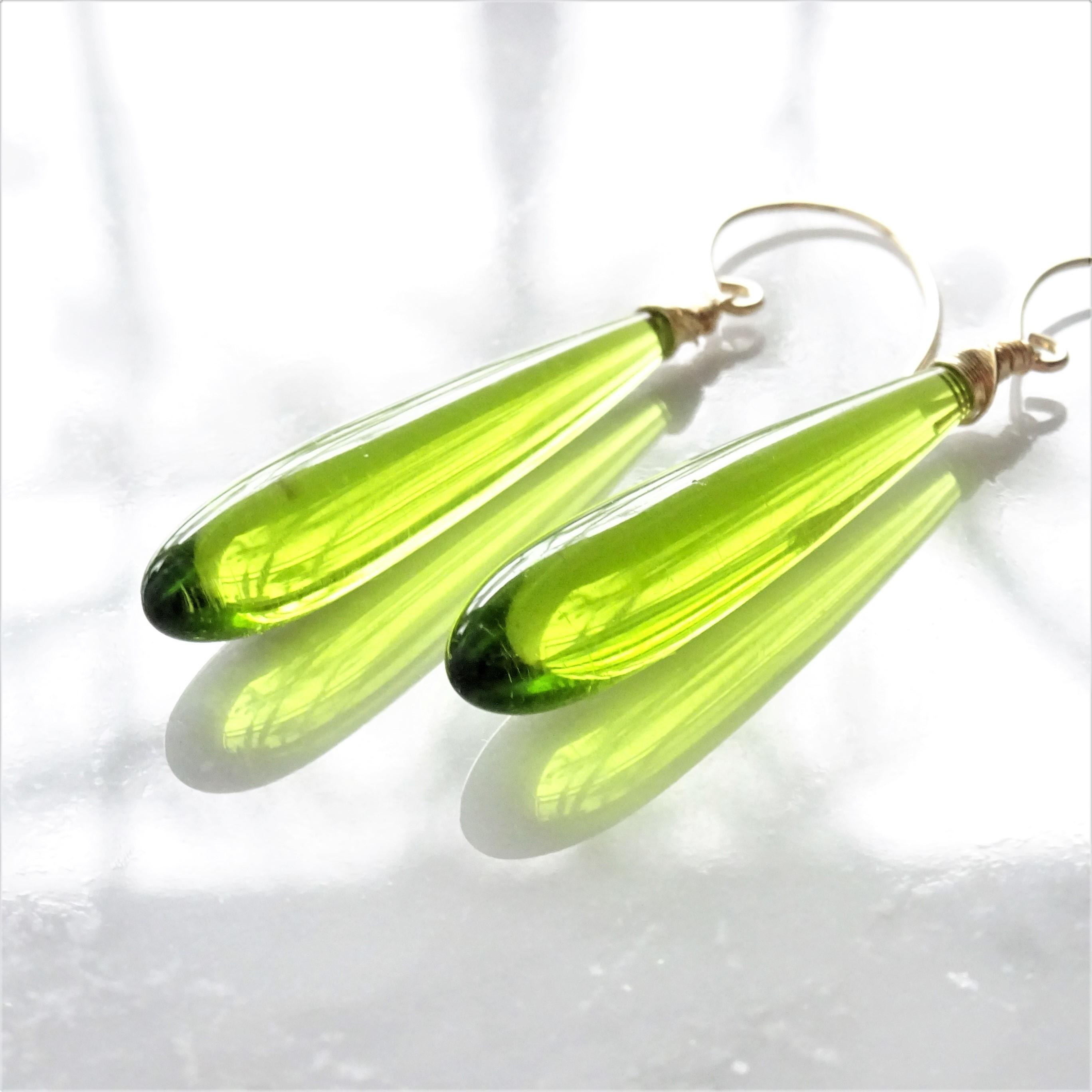 送料無料14kgf*Quartz drop pierced earring / earring RIGHT GREEN