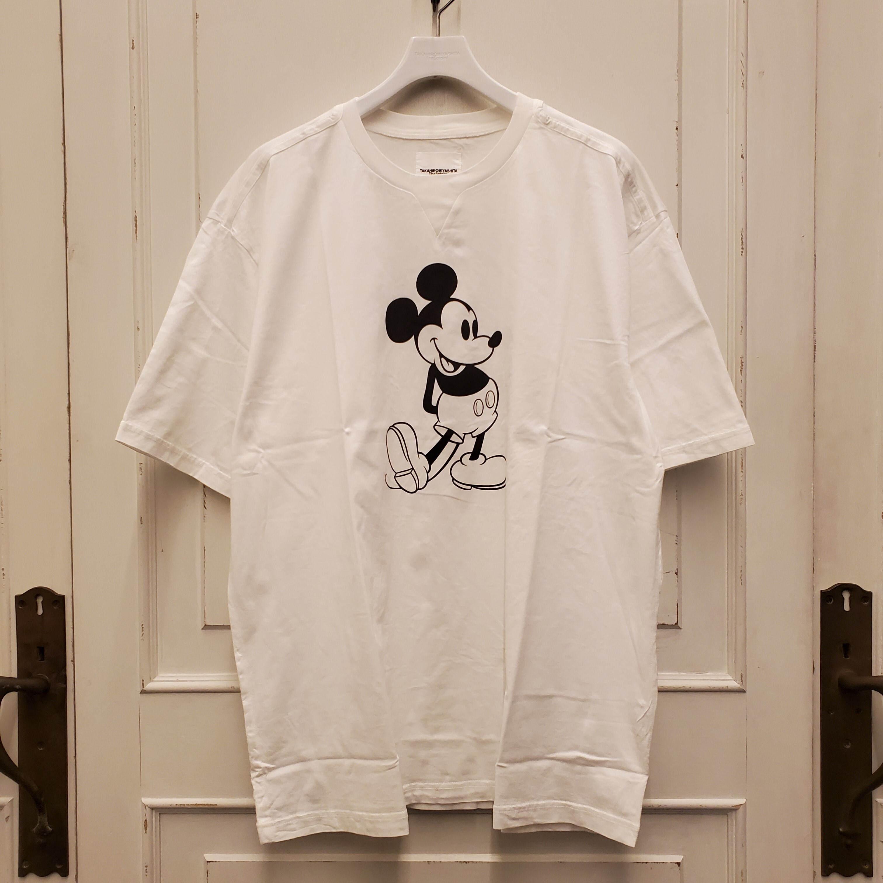 sc.0039bSS20 oversized Mickey Mouse crew neck s/s tee. (monotone color Mickey Mouse)