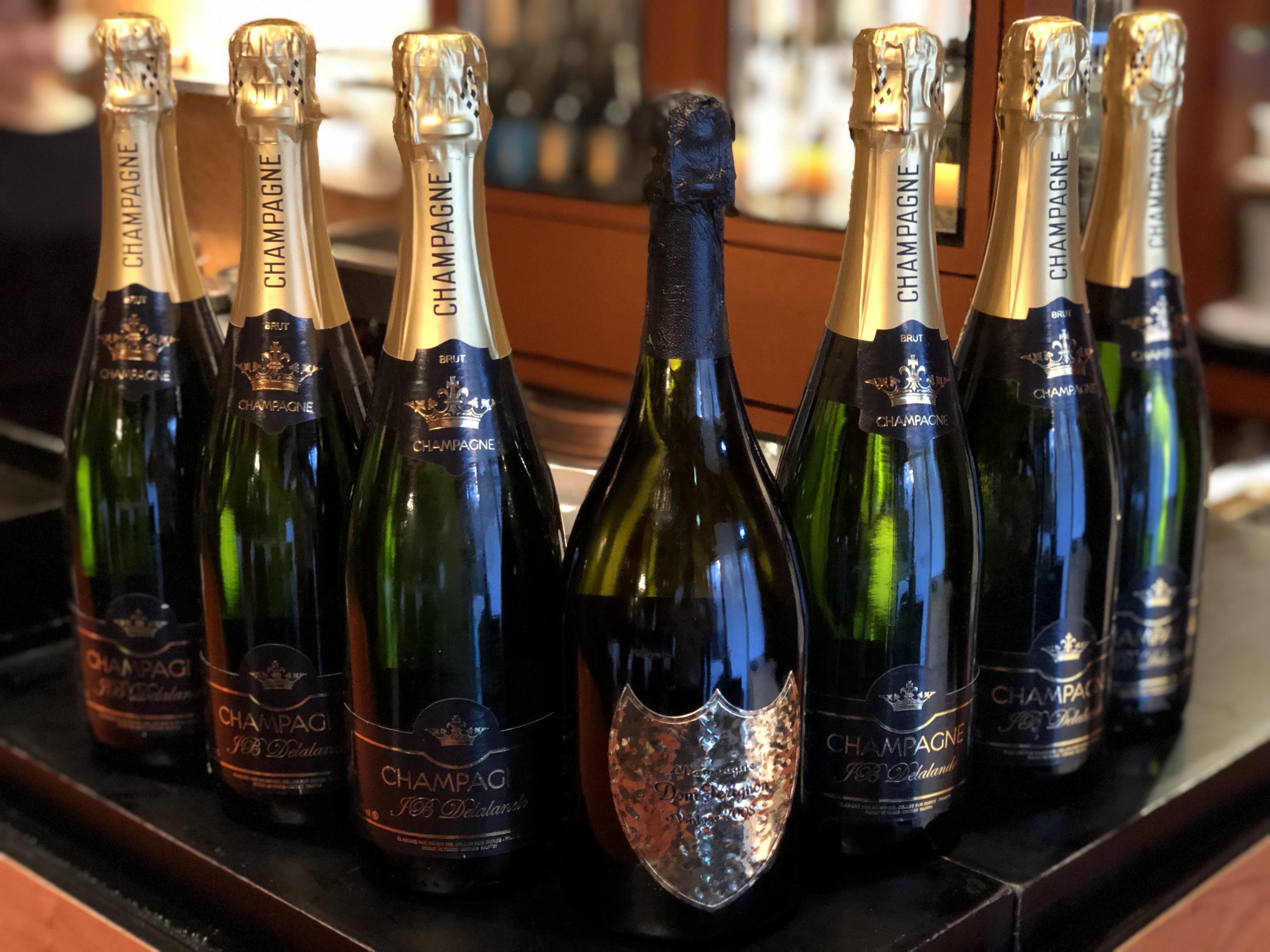 【数量限定!】2008年ドンペリニョン(レニー クラヴィッツボトル)1本とマノワのシャンパーニュ6本セット(計7本)