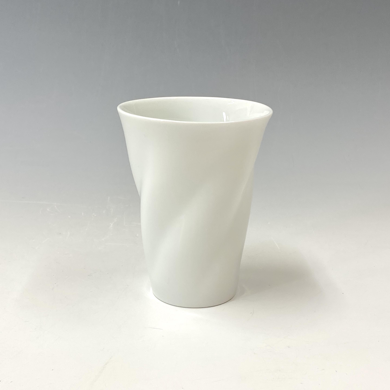 【中尾純】白磁ひねりカップ(中)