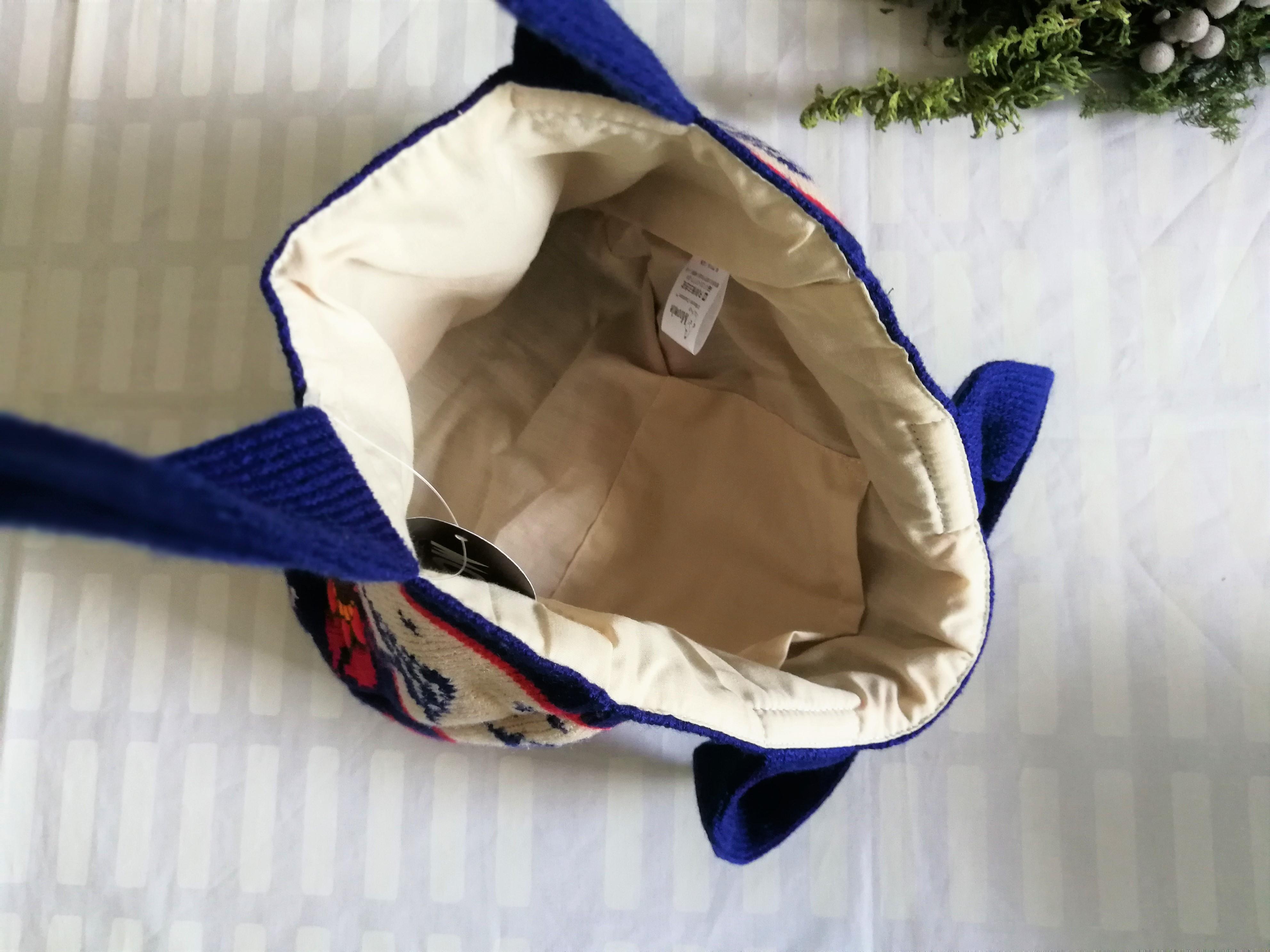 ムーミン ニットミニトートバッグ / ムーミン / リトルミィ花の上で