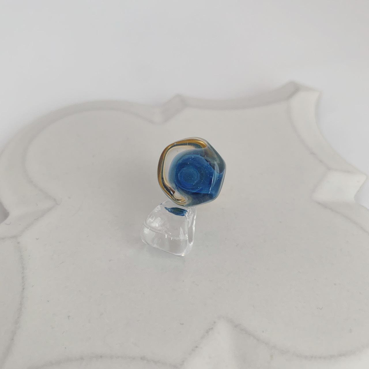 Hexagon 02 blue / Pinbroach