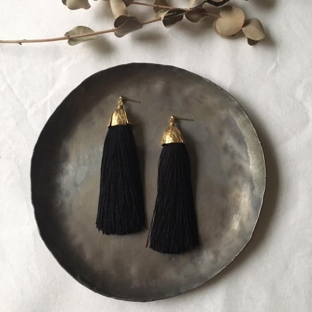 Import brass cap ×black silk tassel ピアスorイヤリング *受注生産
