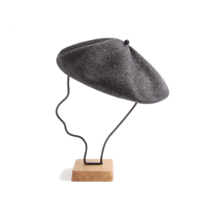 mature ha./beret top gather big chacoal