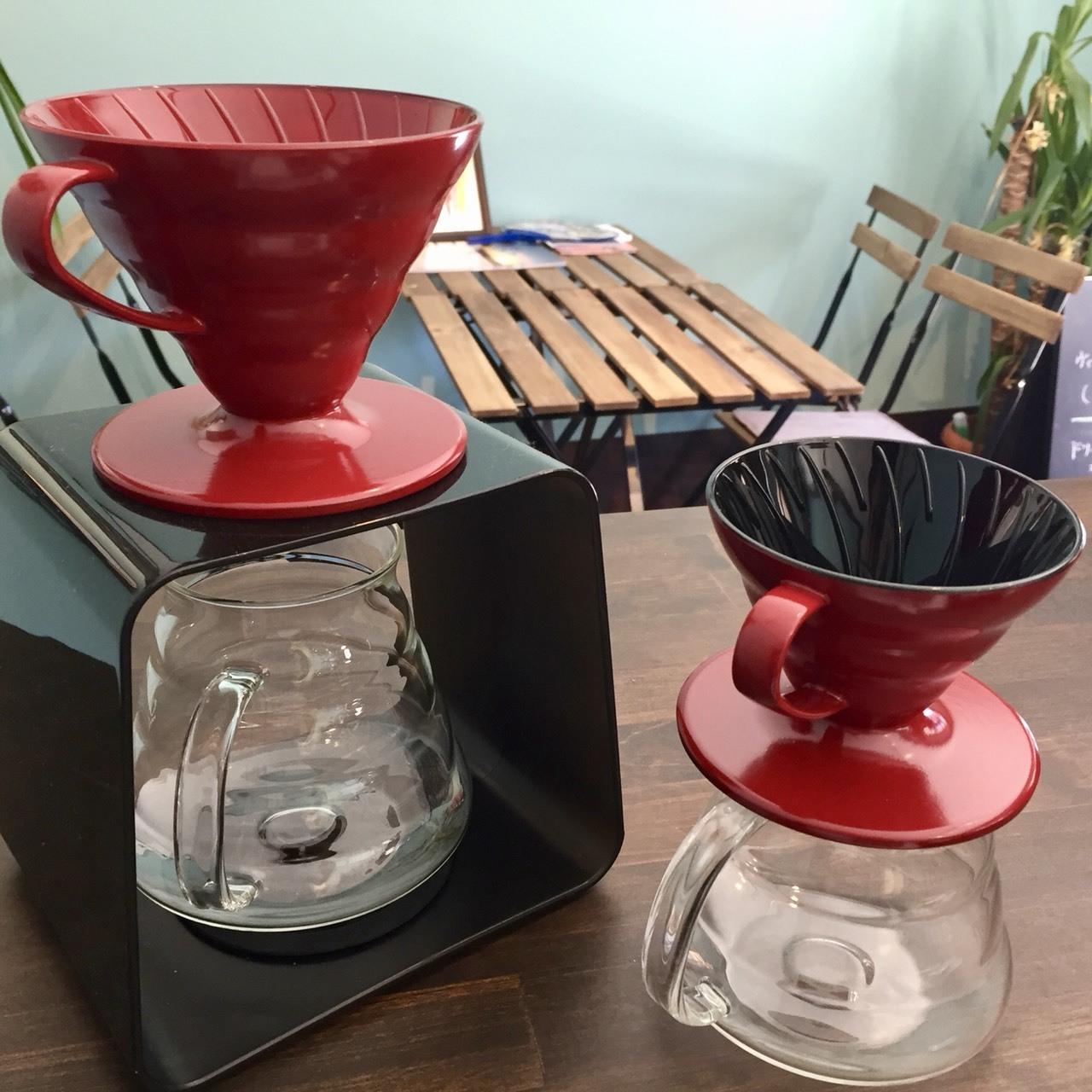 天然漆仕上げのコーヒードリッパー(1 ~ 2杯用)