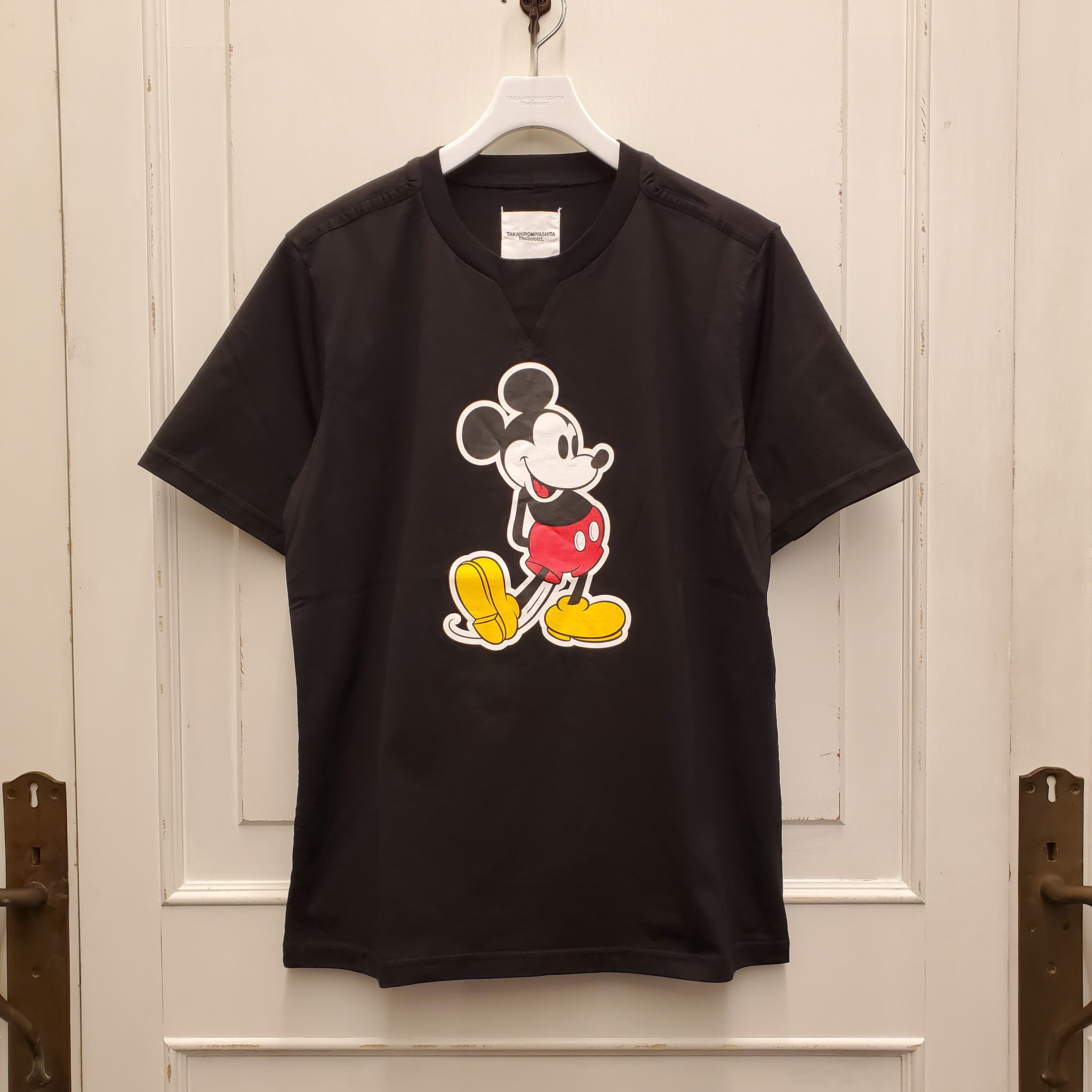 sc.0031aSS20 Mickey Mouse crew neck s/s tee.  (original color Mickey Mouse)