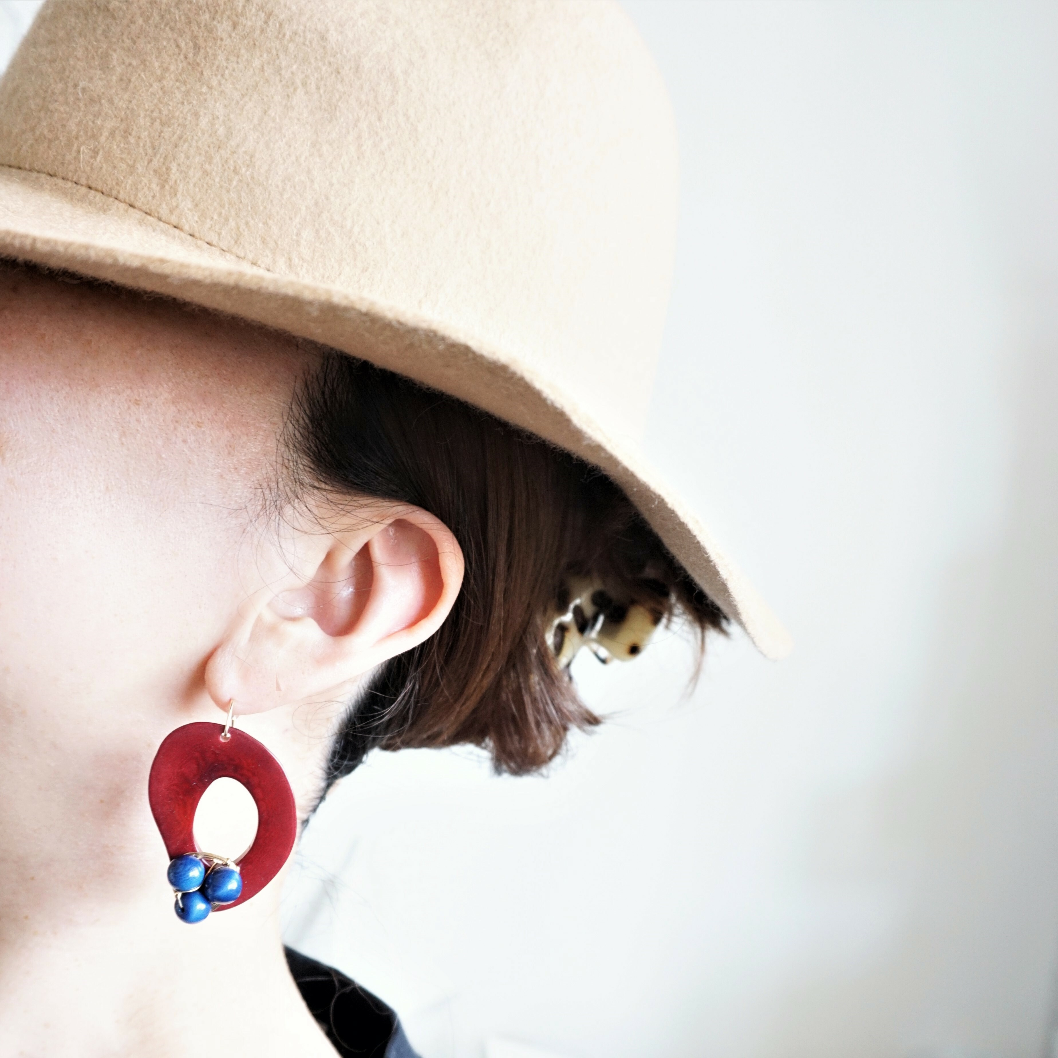 送料無料14kgf*Wine x Navy Tagua Nuts pierced earring / earring