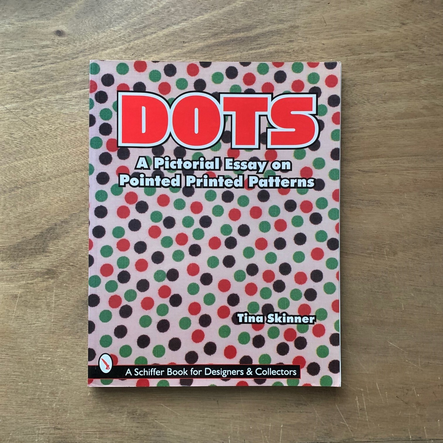 Dots: A Pictorial Essay on Pointed, Printed Patterns ドット