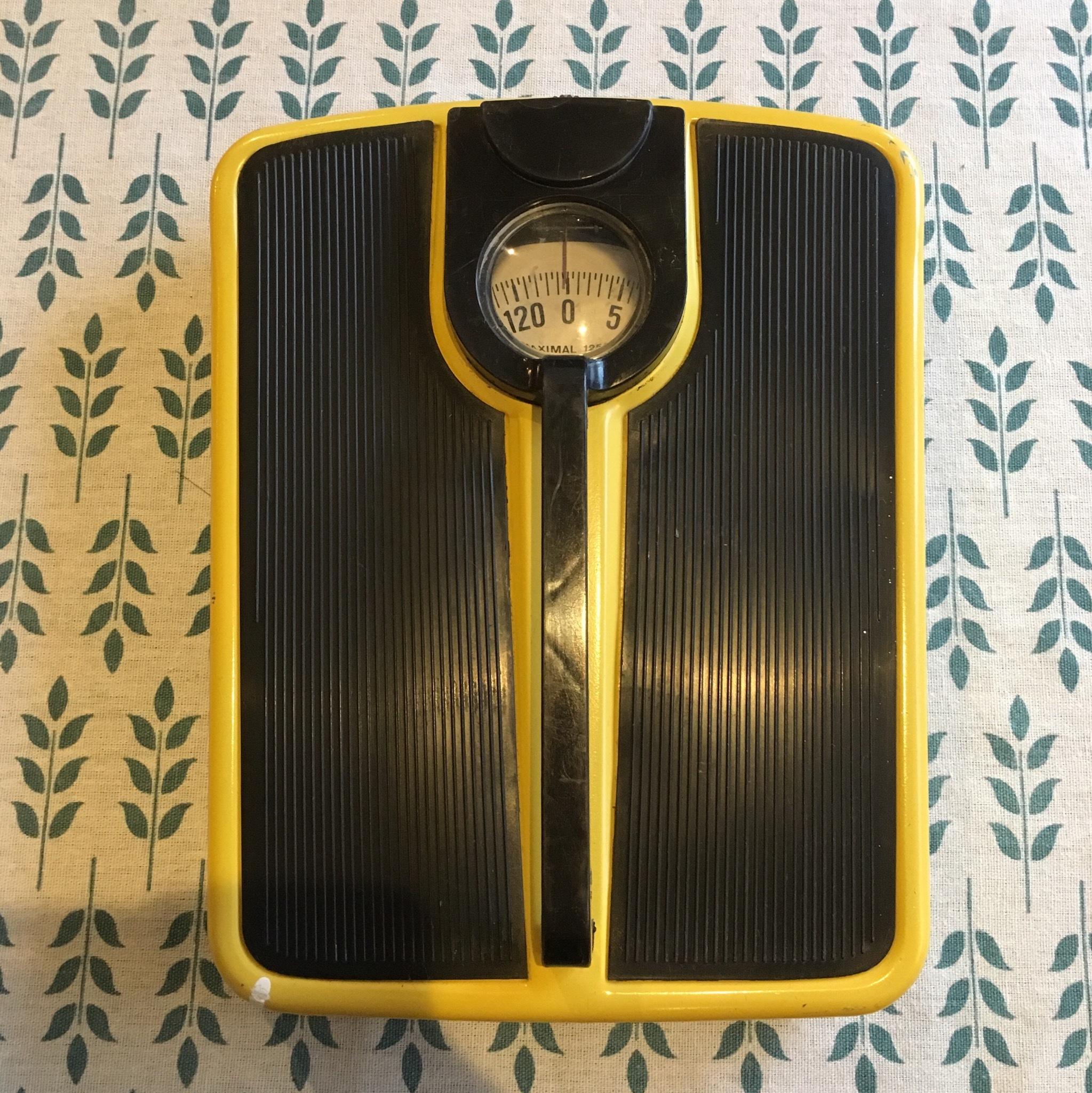 ドイツDDRのスケール/体重計
