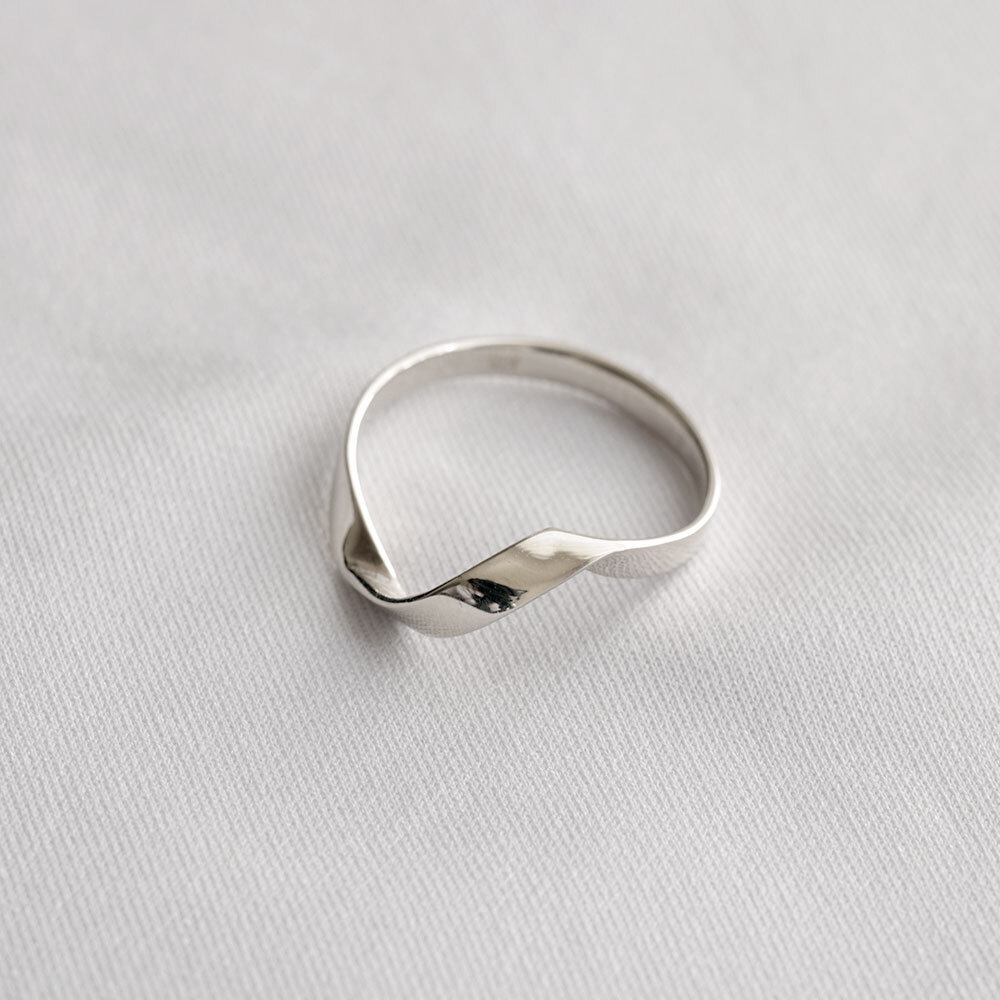 FOLDING METAL / twist slim ring - white gold