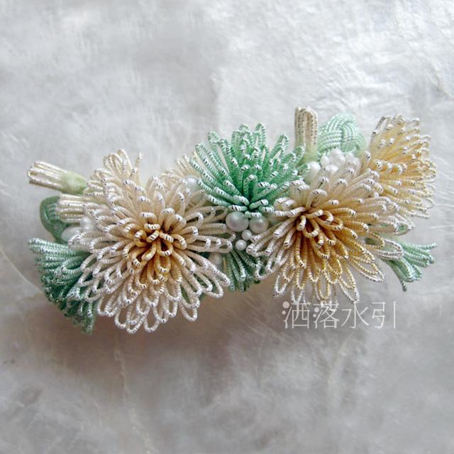花寄せのバレッタ 白金濃淡