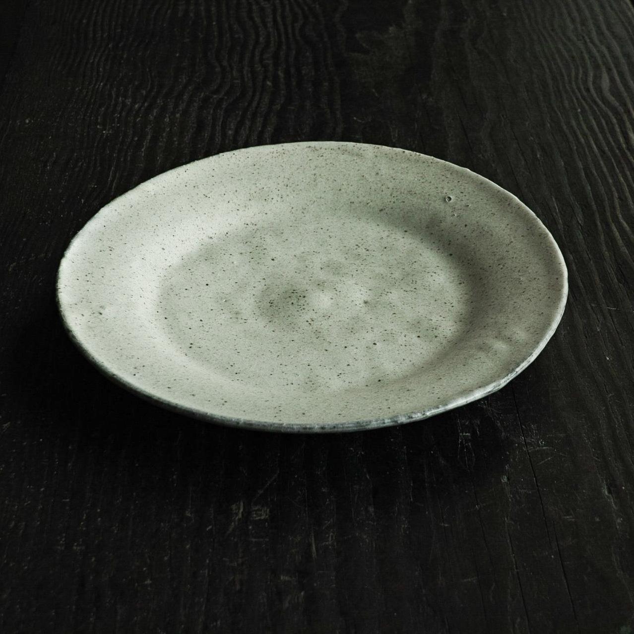 白釉大皿 uchida yoshimi