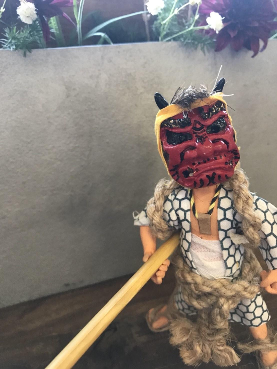 ヤブフィギュア(赤面 白亀甲 首飾り)