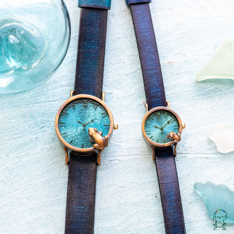 池をのぞく腕時計渋青緑MとS