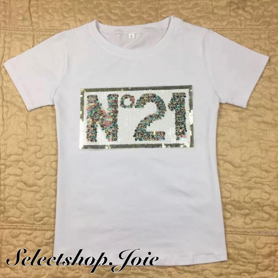 スパンコールボックスロゴTシャツ 2色展開