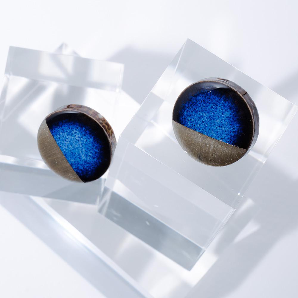 藍色 丸 美濃焼 弓張り月のイヤリング&ピアス 陶器