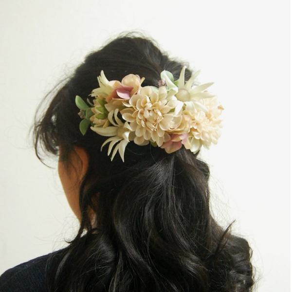 【アーティフィシャル】和装・ウェディングの髪飾りに。ナチュラルエレガントなホワイトローズとヘリクリサムのヘッドドレス