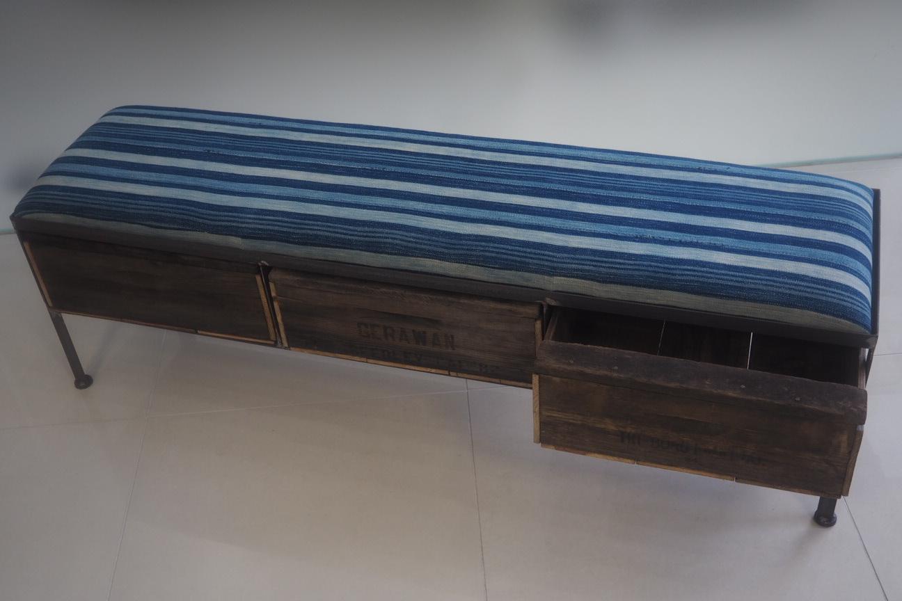 品番UAI3-126 3drawer ottoman[narrow/African indigo batik tribal]